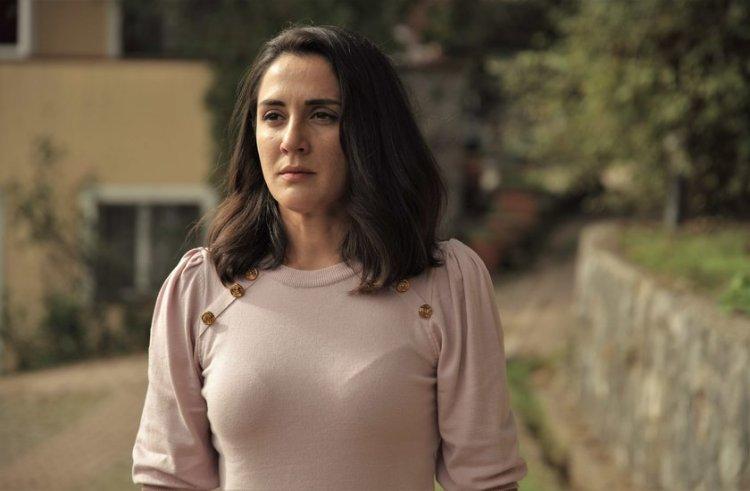 Boncuk Yilmaz u glavnoj ulozi uz Tubu Buyukustun u seriji Another self