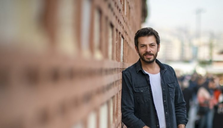 Ahmet Tansu Tasanlar u seriji Yalanci ve Mumlari   Lažovi i sveće