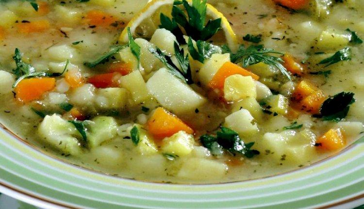 Vegetarijanska supa sa Orzo testeninama – Turski Specijaliteti