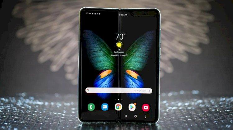 Samsung Galaxy Fold - recenzija
