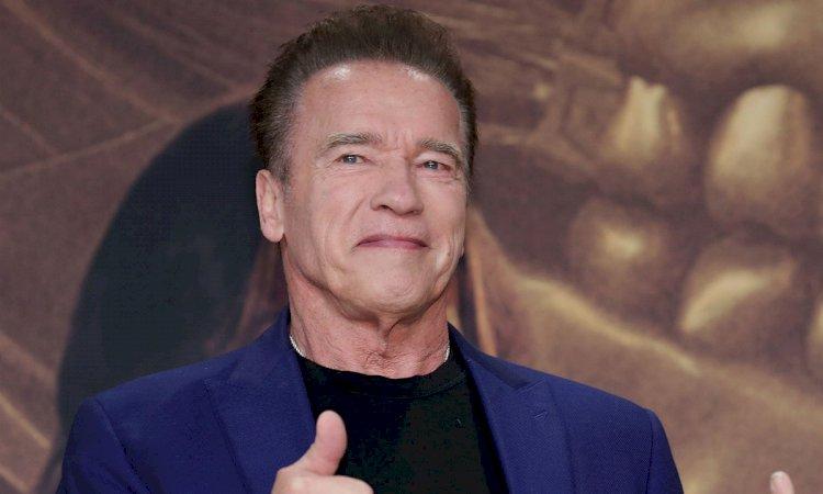 Schwarzenegger (72) napravio špagu! (VIDEO)