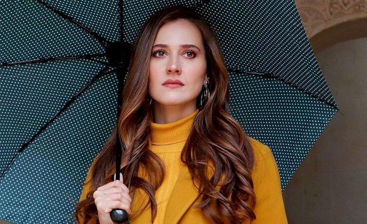 Turska glumica   Oya Unustasi  