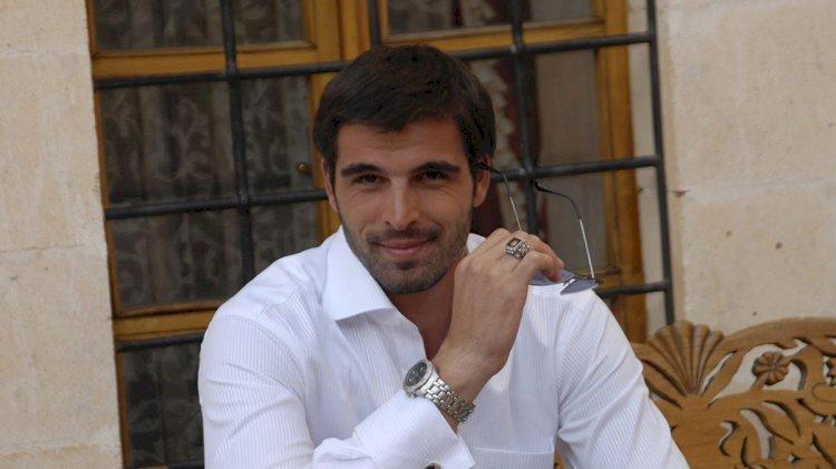 Turski glumac | Mehmet Akif Alakurt |