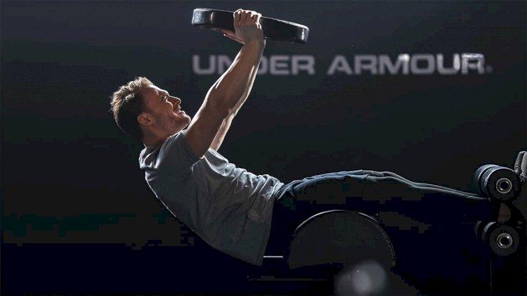 Kerem Bursin u novoj reklami za Underarmour izgleda FENOMENALNO (VIDEO)