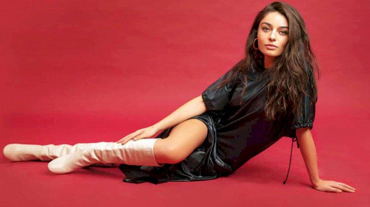 Ayca Aysin Turan za Elle magazin (FOTO)