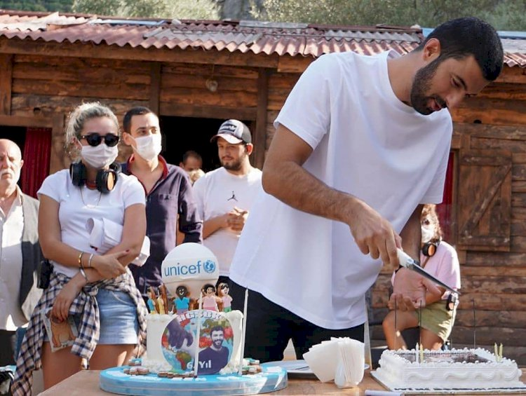 Engin Akyurek dobio specijalan rođendanski poklon (FOTO)