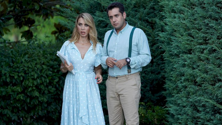 Glumica iz serije Sen Cal Kapimi / Kucaj na moja vrata otvara online radnju za odeću